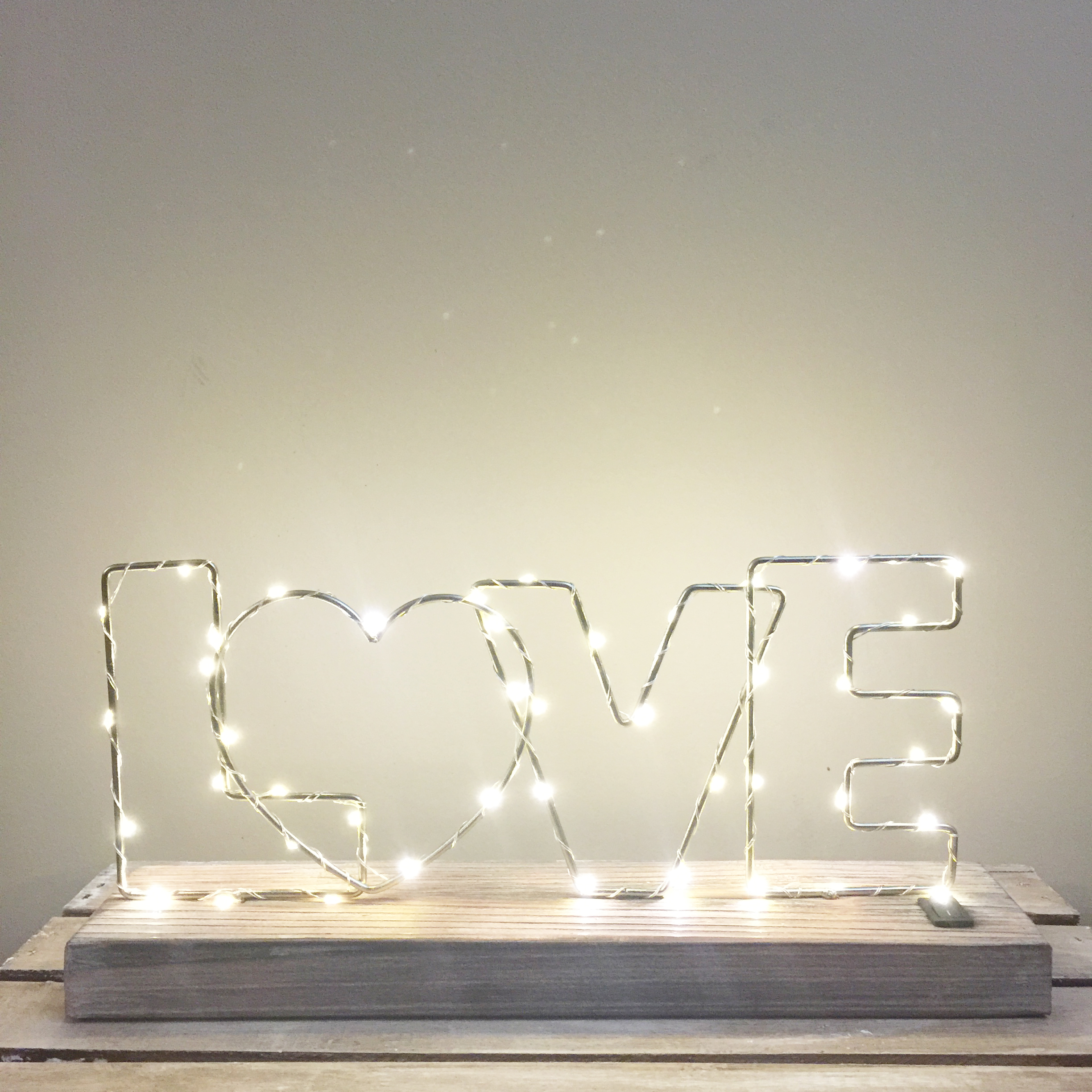 Min Love Marquee Light