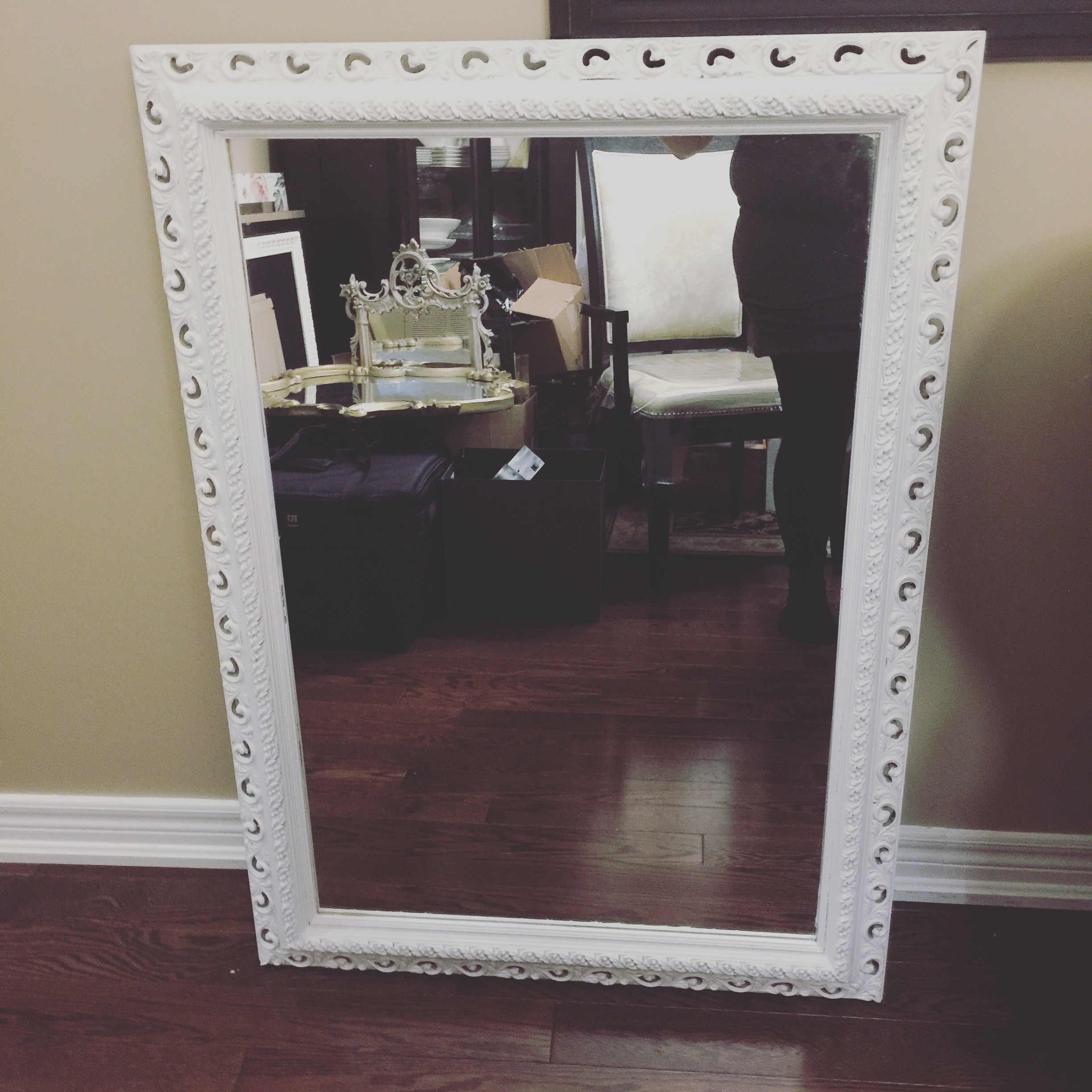 White large shabby chic mirror seating chart vintagebash for Large white mirror