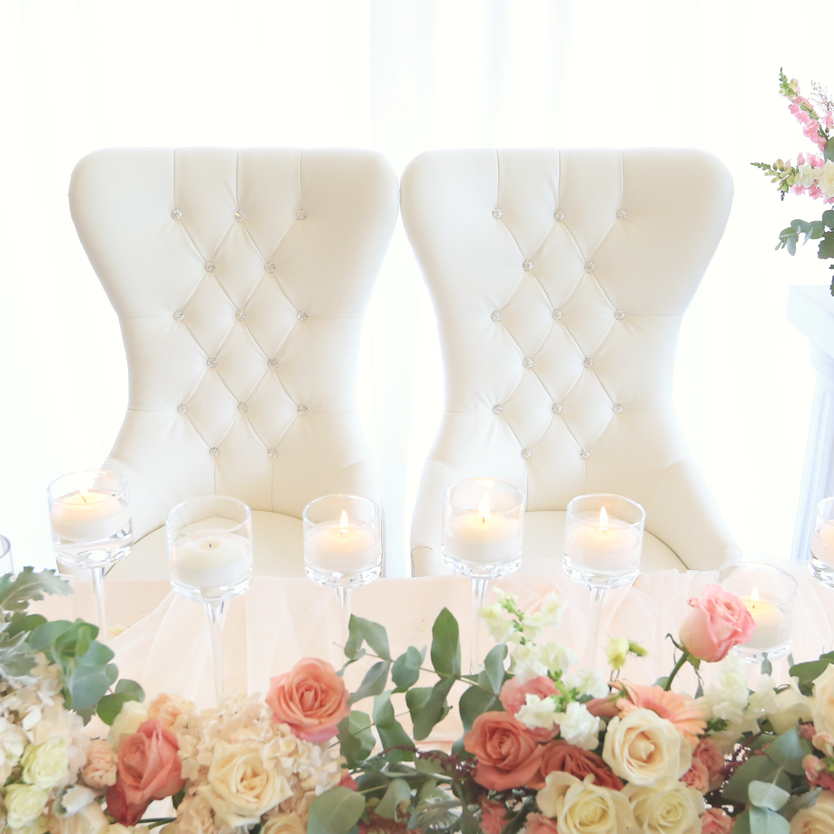 Bride Amp Groom White Chairs King Queen Chairs Rental