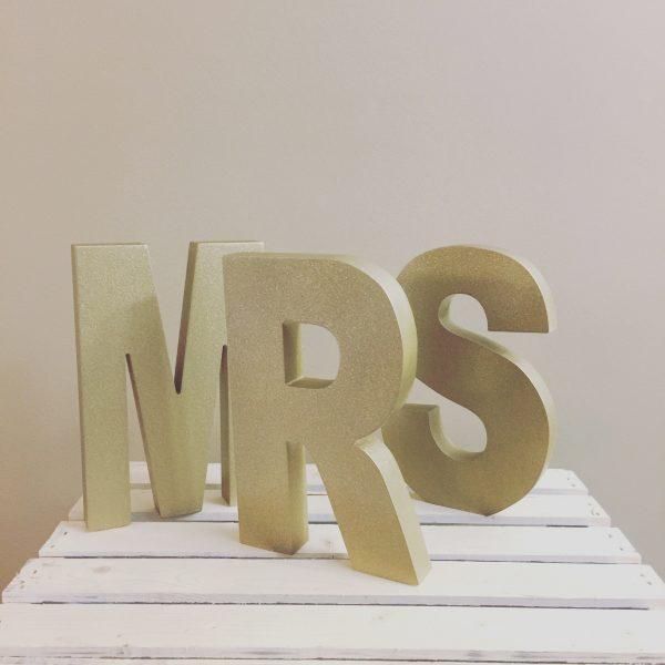 Gold MR & MRS Sign Toronto