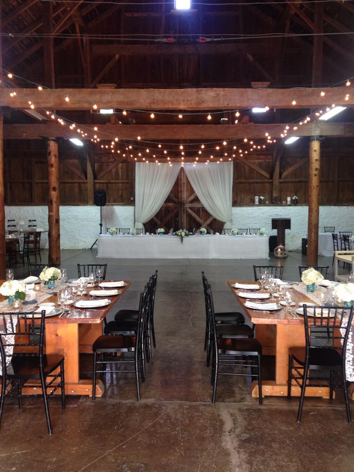 Venues For A Barn Wedding In Hamilton (Ontario) | TWELVESKIP