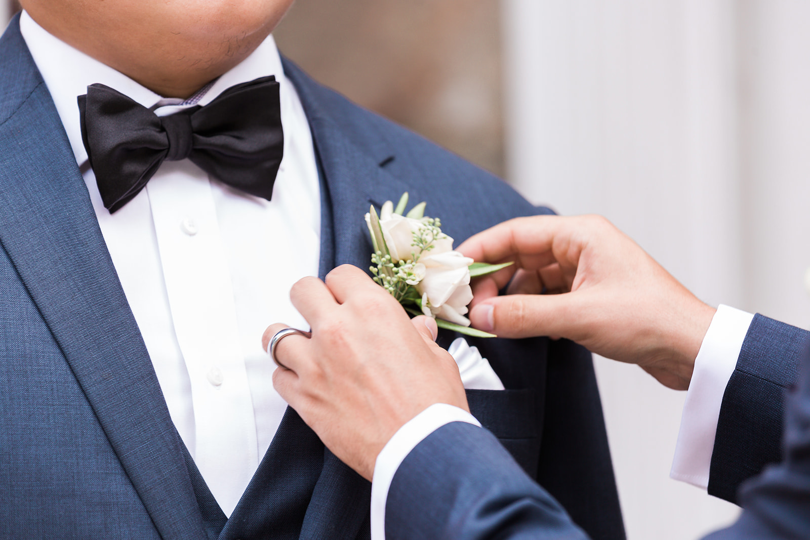 Boutonniere Green White