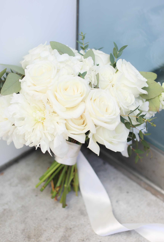 White & Minimal Greenery Bride Bouquet Wedding