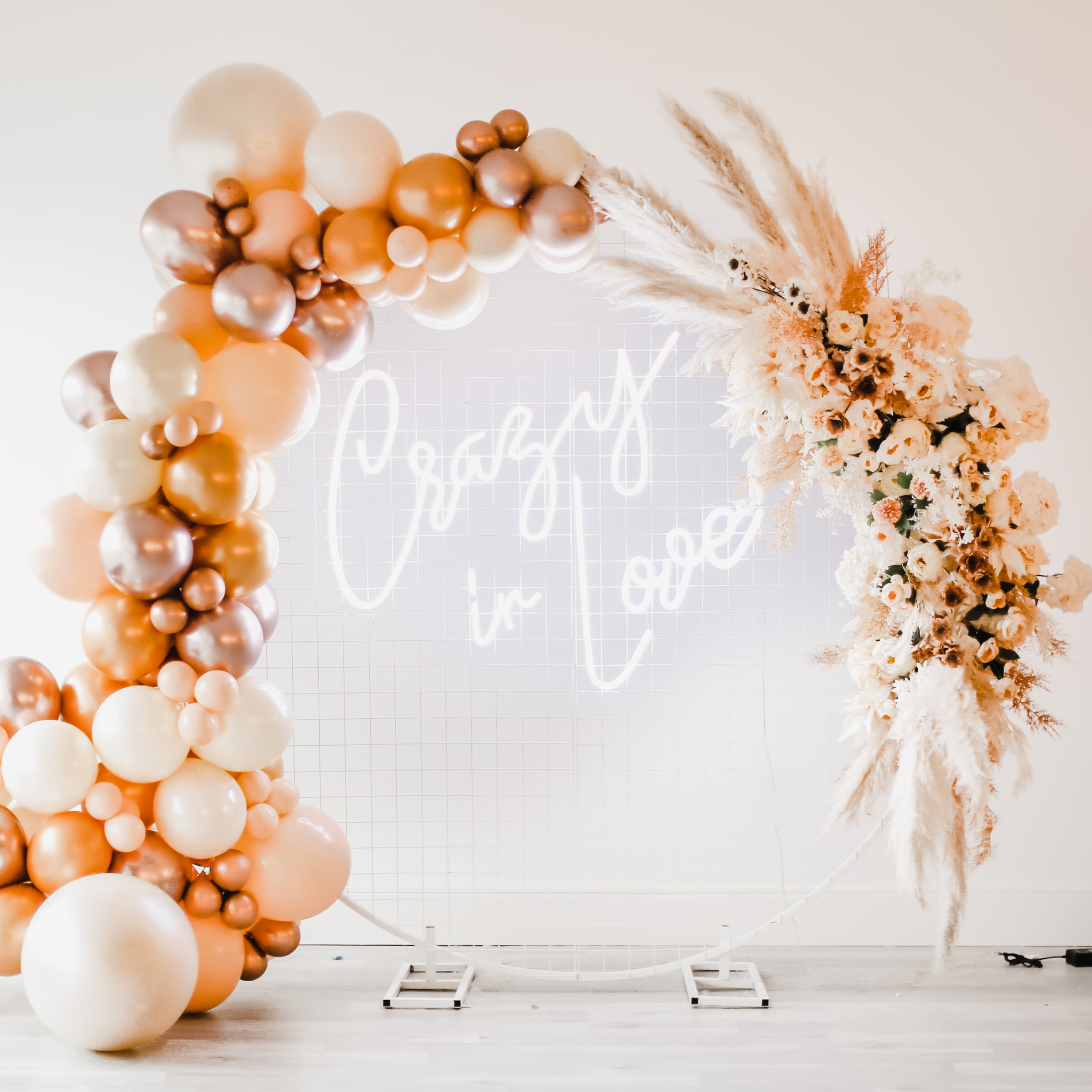 balloon arch and balloon garland backdrops toronto