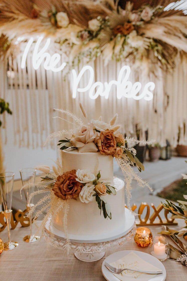 Pampas Cake