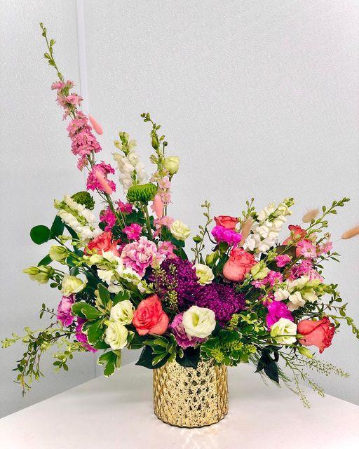 Florida Flowers Arrangement for Curbside Pick Up in Markham